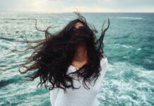 przetłuszczanie się włosów, tłuste włosy, pielęgnacja włosów, dlaczego włosy sie przetłuszczają