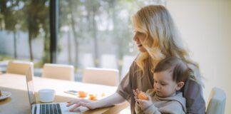 bycie mamą, praca w domu a dzieci, praca a bycie mamą, aplikacje dla mam, jak zająć dzieci, jak oraciwać przy dzieciach