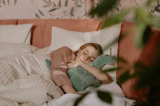 sny, dlaczego śnimy, jak powstają sny, dlaczego mam koszmary, dlaczego sny powracają, powtarzające się sny, straszne sny, znaczenie snów