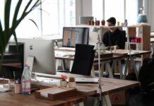nowa praca, jak poradzić sobie w nowej pracy, stawianie granic w pracy, jak stawiać granice w pracy, jak pracować z domu