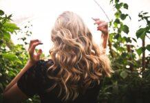 loki bez uzycia ciepła, jak kręcić włosy, loki bez lokówki, loki bez niszczenia włosów, stylizacja włosów, jak kręcić włosy na noc